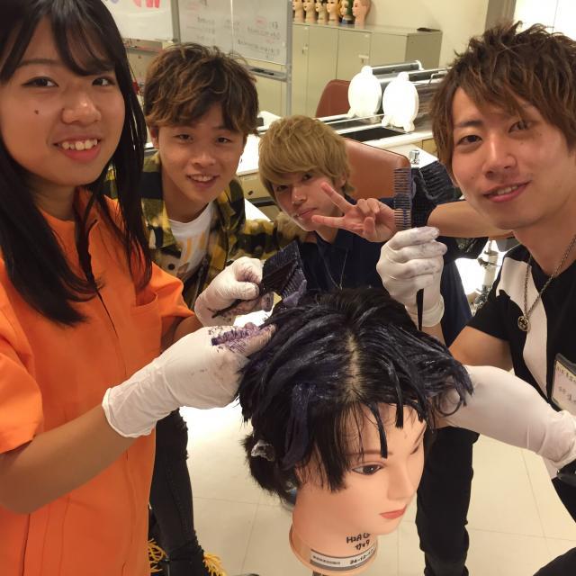 横浜ビューティー&ブライダル専門学校 【美容師】カット・オシャレヘアを学べる☆高校2年生も歓迎♪3