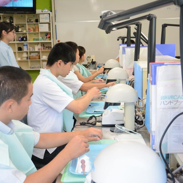 鹿児島歯科学院専門学校 オープンキャンパス(歯科技工士科)3