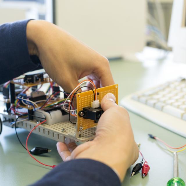 大阪電子専門学校 3月 先輩と初めての制作体験を楽しめるオープンキャンパス1