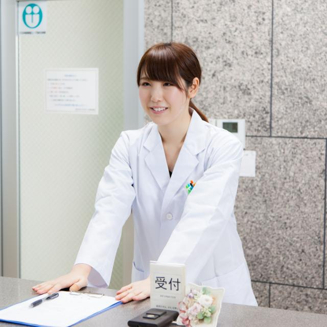 YICキャリアデザイン専門学校 「白衣を着て医療事務スタッフになりきり体験」医療事務科1