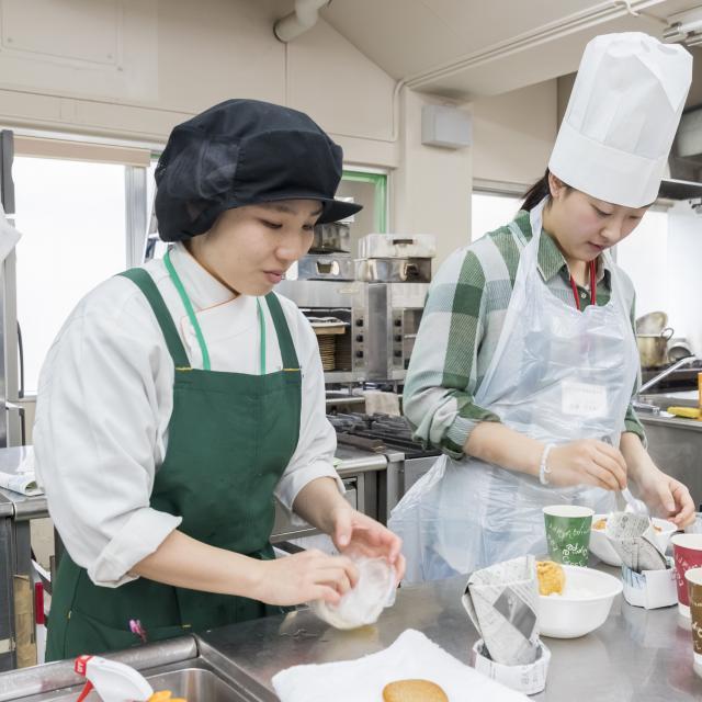 東京栄養食糧専門学校 恋するバレンタインスイ―ツをつくろう!2