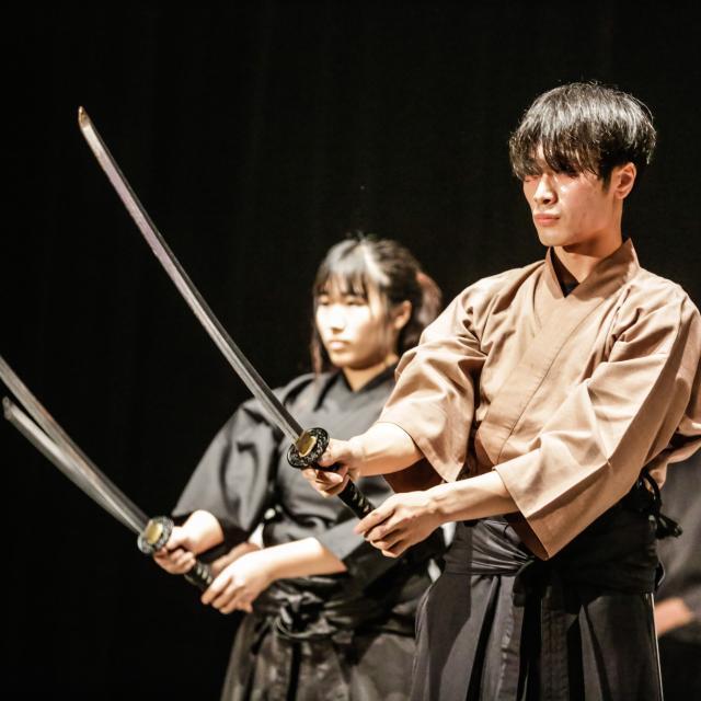 日本芸術専門学校 時代劇やアクション映画の世界を学ぼう!基本が学べる殺陣体験1