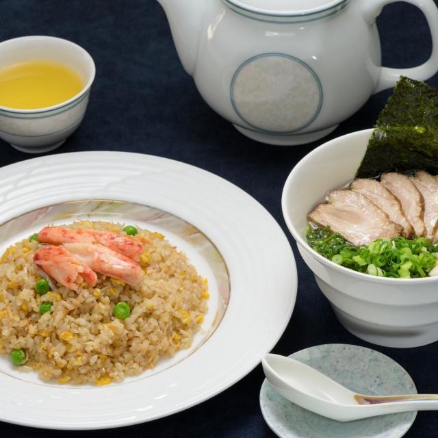 かにチャーハン&ミニチャーシュー麺