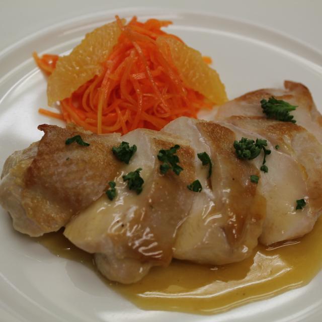 名古屋調理師専門学校 塩分を抑えても美味しく食べられるメニュー1