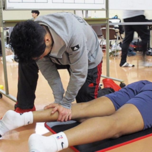 日本医学柔整鍼灸専門学校 卒業生スペシャル!プロバスケットボールリーグ帯同トレーナー1