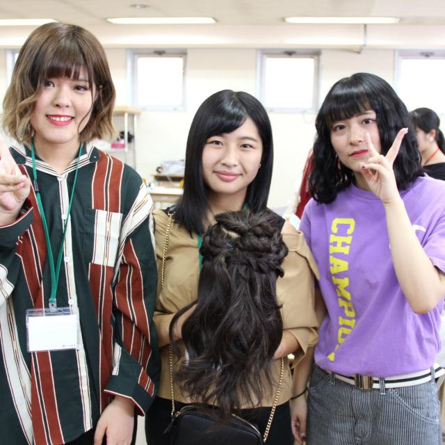 九州美容専門学校 お1人の方も丁寧にフォローする九美のオープンキャンパスです!4