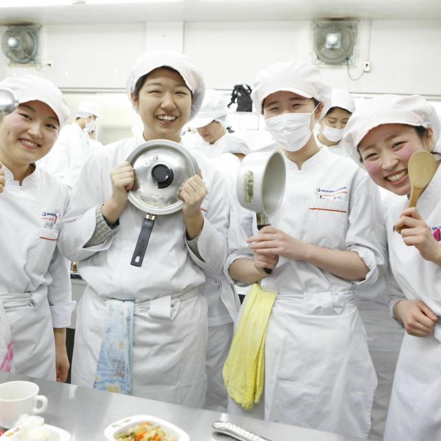 東京栄養食糧専門学校 栄養士資格『+1』の資格を目指せ! Wライセンスの魅力3