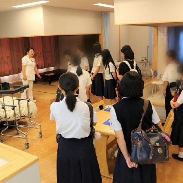 専門学校 北九州看護大学校 実技にチャレンジ!2