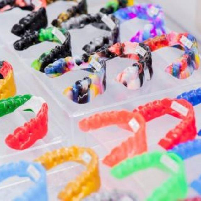 新東京歯科衛生士学校 自分専用のマウスガード作り1