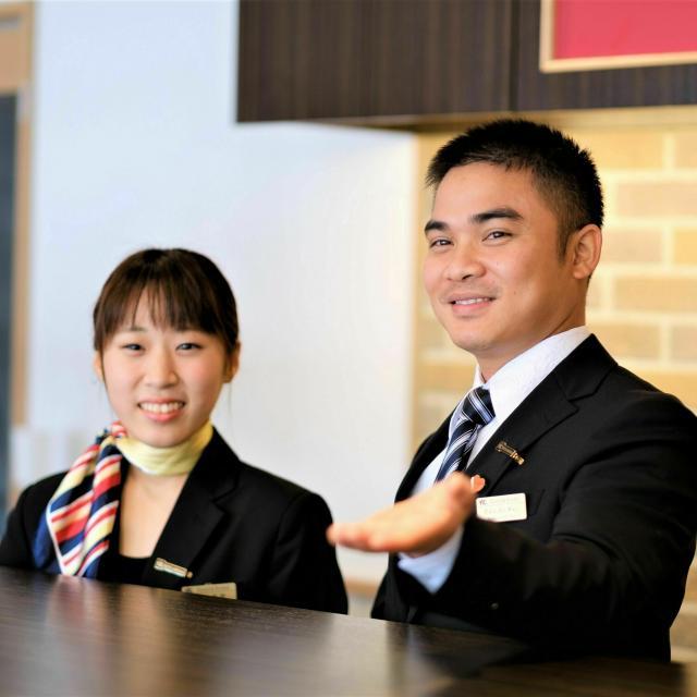 YIC情報ビジネス専門学校 【予約フォーム】かっこいいホテルマン♪(ホテルブライダル)1