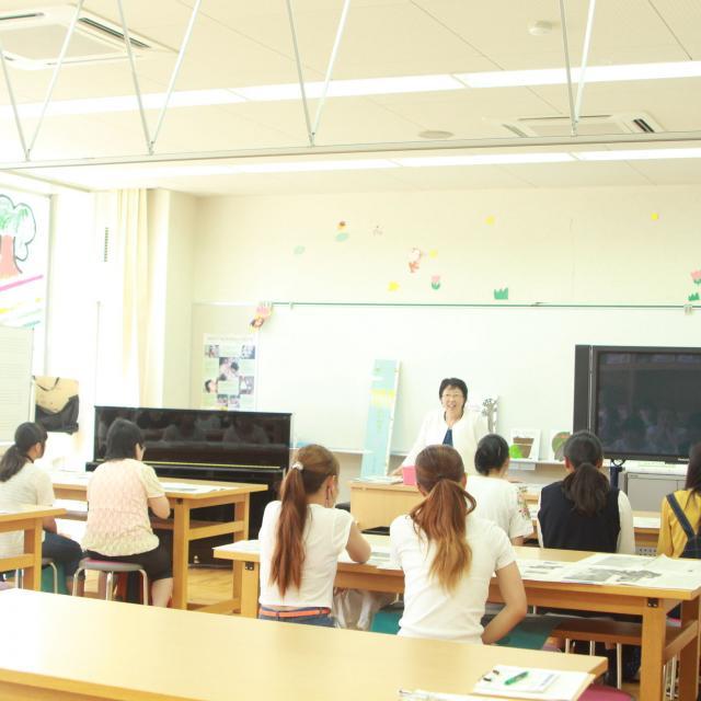 びわこ学院大学短期大学部 幼稚園教諭・保育士の仕事まるわかり ~仕事の魅力発見~3