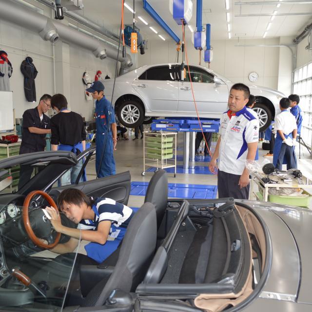 専門学校 東海工科自動車大学校 自動車整備を体験しよう!3