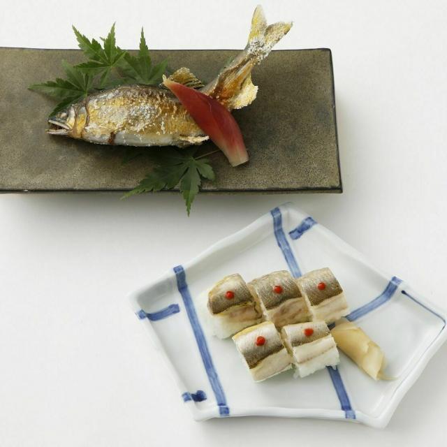 東京山手調理師専門学校 【日本料理】鮎の塩焼きと棒寿司1