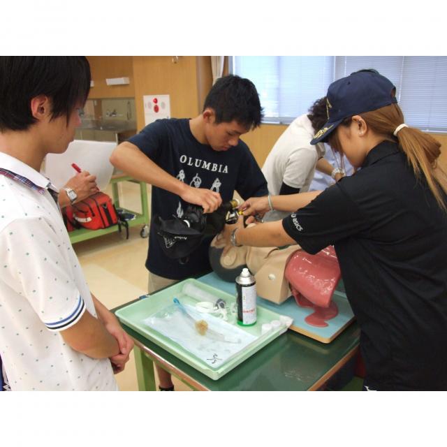 長野救命医療専門学校 2018年度オープンキャンパス開催!救急救命士の仕事体験1