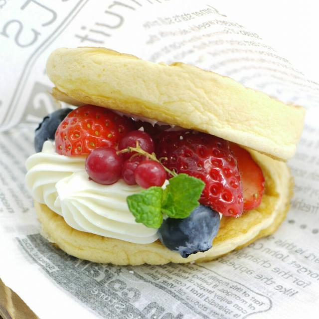 東京調理製菓専門学校 スフレパンケーキサンド1