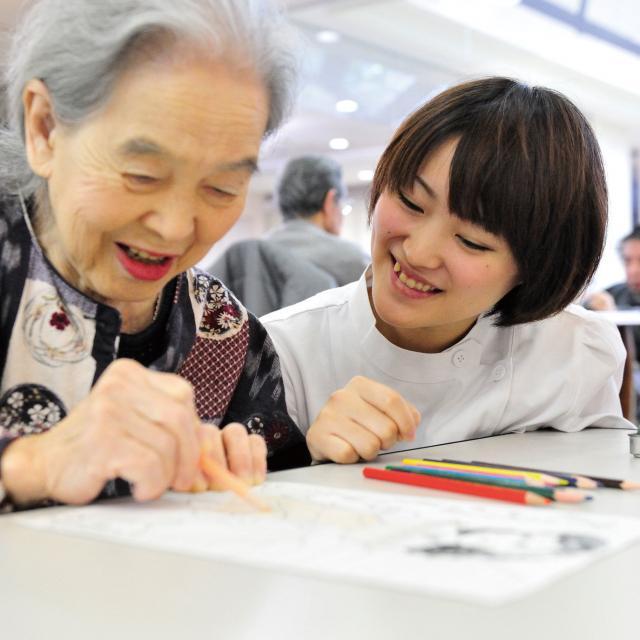 姫路医療専門学校 【作業療法士】介護予防を体験してみよう♪2