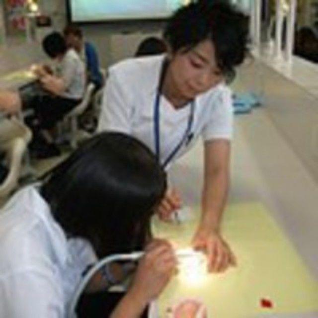 【口腔保健学科】歯科治療で使う器材に触れてみよう