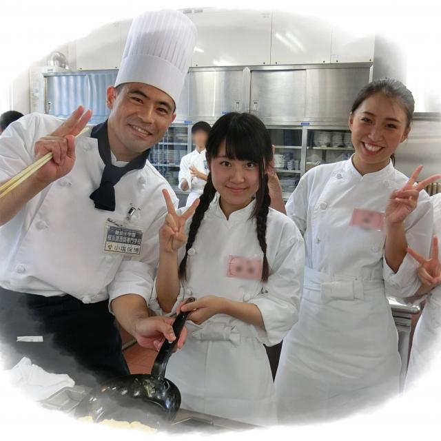 横浜調理師専門学校 手切り肉をじ~っくり煮込んだ特製ミートソース3