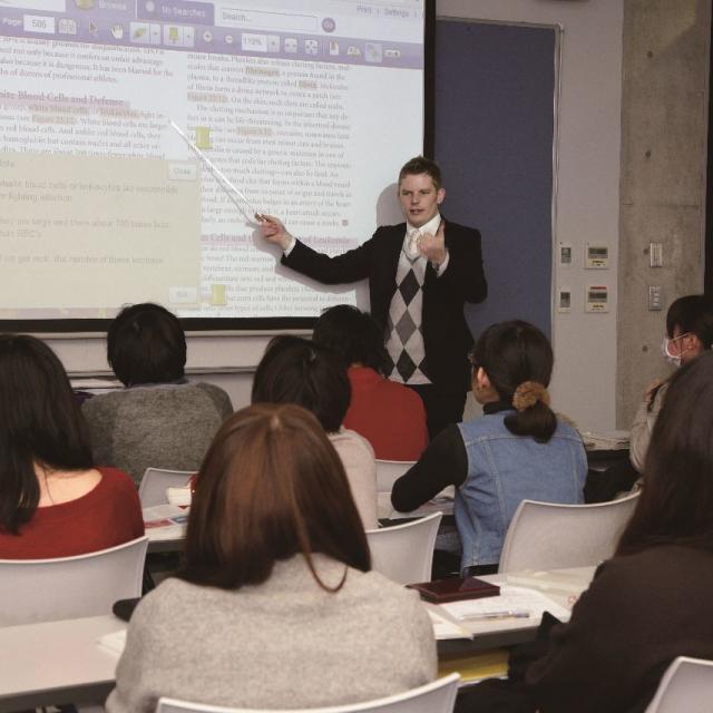 日本外国語専門学校 海外大学留学フェア/海外留学科 卒業生ライブ3
