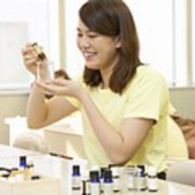 AST関西健康・製菓専門学校 【アロマセラピスト】☆フットオイルを作ろう♪2