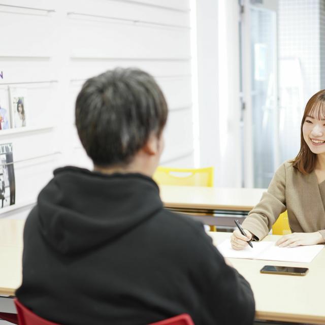 ビジュアルアーツ専門学校・大阪 「写真・マスコミ業界」オンライン説明会3