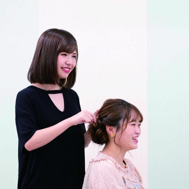 専門学校名古屋ウェディング&フラワー・ビューティ学院 ヘアアレンジ:編み込みヘアアレンジ2