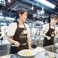 武蔵野調理師専門学校 1人1台の調理台でチャレンジ