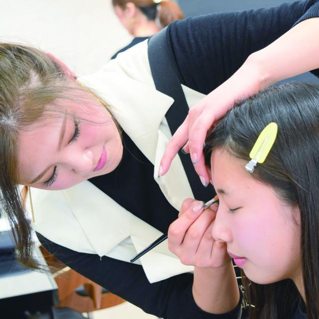 広島ビューティー&ブライダル専門学校 \好きな分野が1日で2つ体験できる♪/よくばり体験スペシャル2