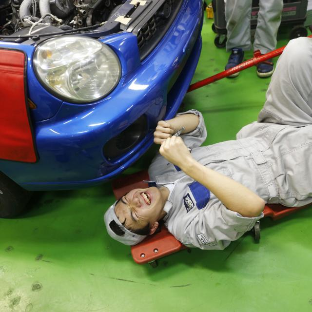 大阪自動車整備専門学校 マクラーレン×OAC2