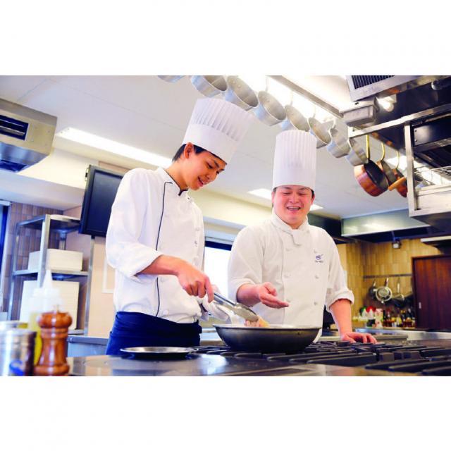大阪調理製菓専門学校ecole UMEDA 【夏のひんやりビュッフェ開催】ポークフィレのタリアータ3