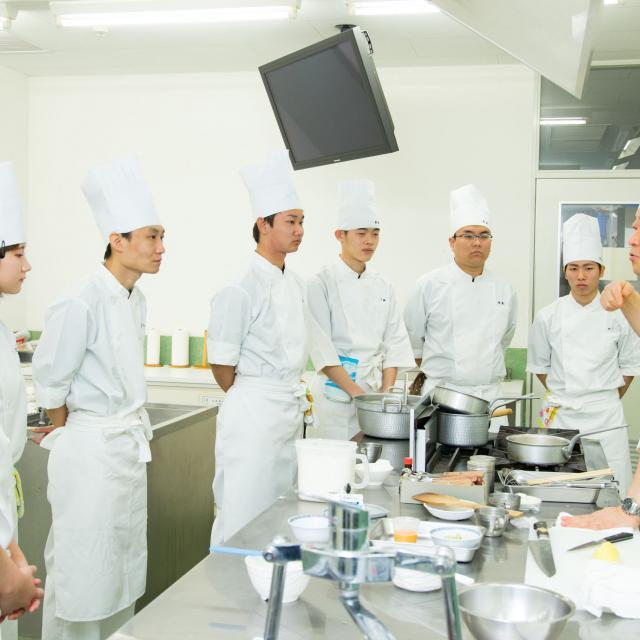 専門学校 国際調理フラワーカレッジ 《12月》クリスマスメニュー☆彡4