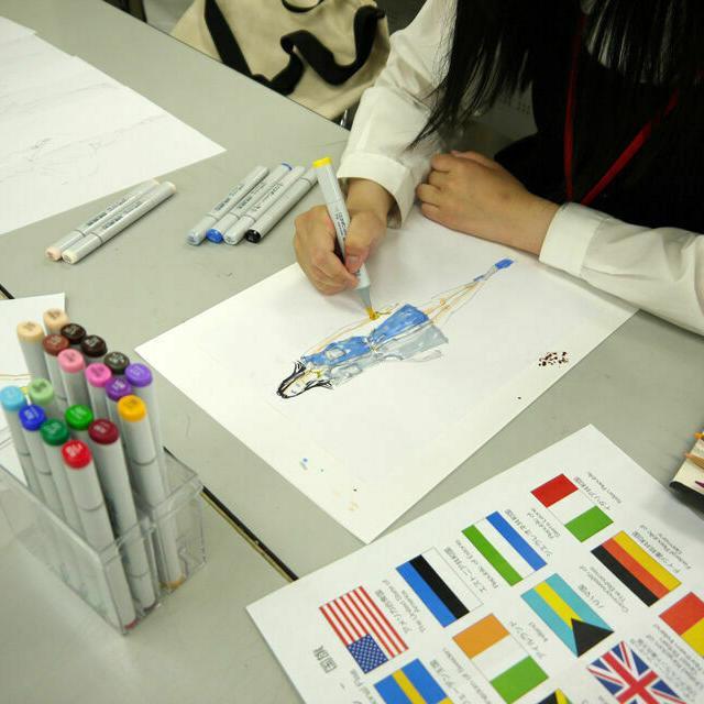 専門学校 武蔵野ファッションカレッジ 【初心者でも大歓迎】ファッションデザイン画 体験1
