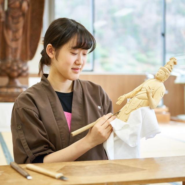 京都伝統工芸大学校 工芸体験キャンパス2018 仏像彫刻1