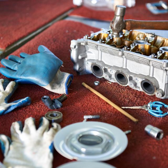 芦屋大学 【体験授業】 「車のエンジン内部を覗いてみよう!」4