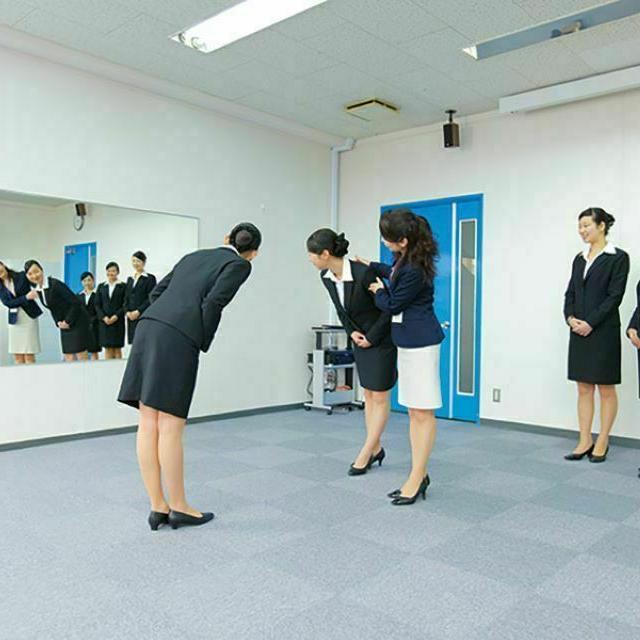 東京観光専門学校 【来校/オンライン】エアラインサービス学科 体験講座4