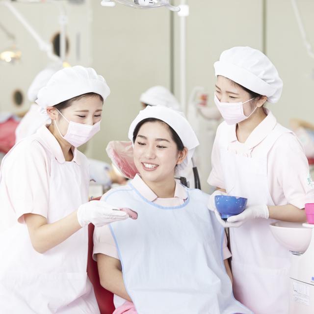 博多メディカル専門学校 キラキラ輝くステキ女子になる♪8月 歯科衛生士科3
