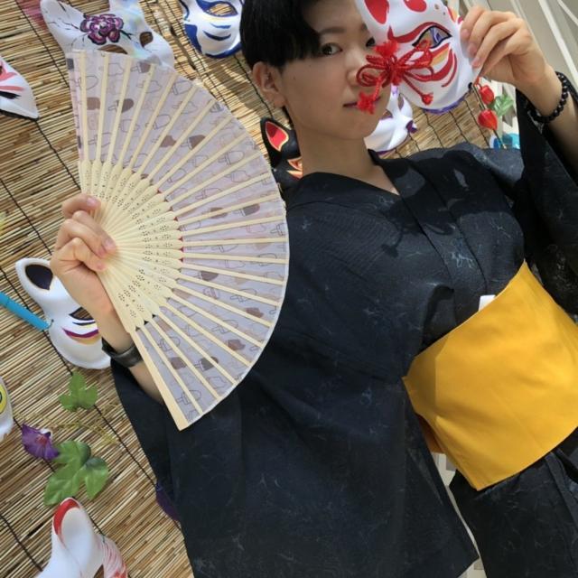 名古屋ビューティー専門学校 かわいい浴衣でハイポーズ2