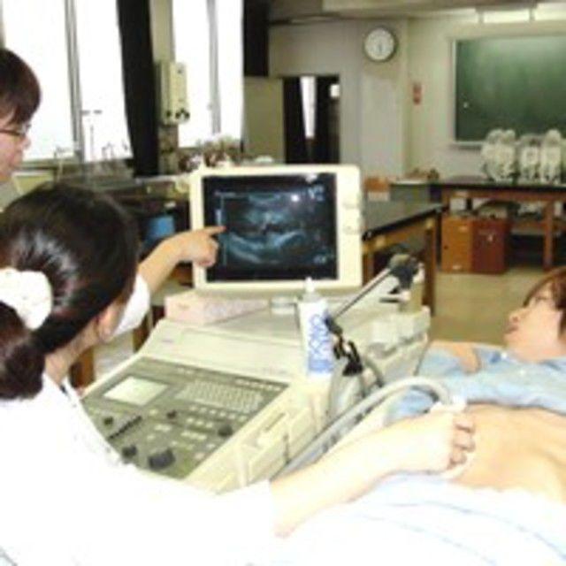 臨床検査技師の体験をして、進む道を確認してみませんか?