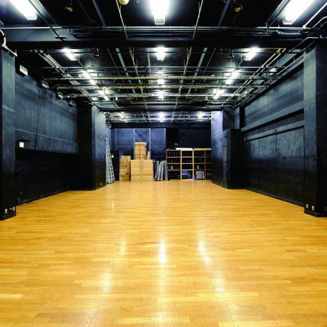 桐朋学園芸術短期大学 桐朋って、大学の中に劇場があるってホント?2