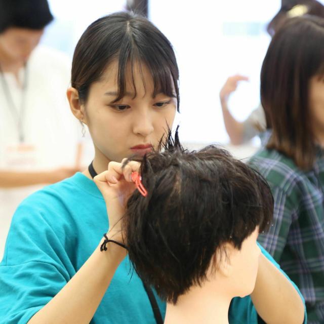 大阪ベルェベル美容専門学校 【新高校2・3年生向け】オンライン:入試・学費4