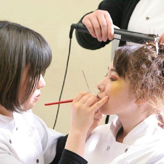 国際理容美容専門学校 ★美翔祭ヘアショー仕込みの授業見学&プチ技術体験★1