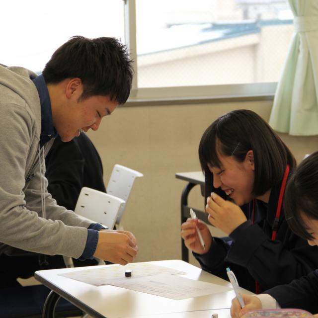上野法律ビジネス専門学校 大学生より早く公務員大卒程度試験合格を目指す【法律行政学科】2