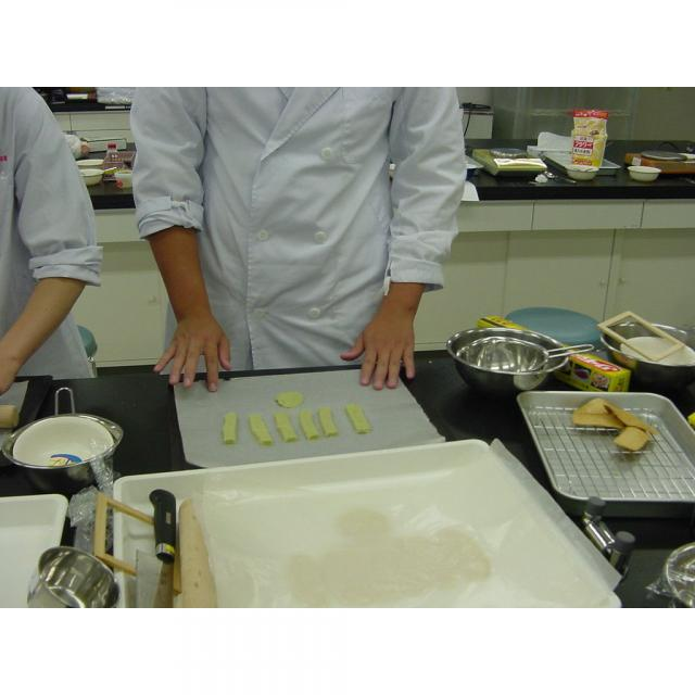 専門学校 東京テクニカルカレッジ 【バイオテクノロジー科】栄養機能食品を開発しよう!1