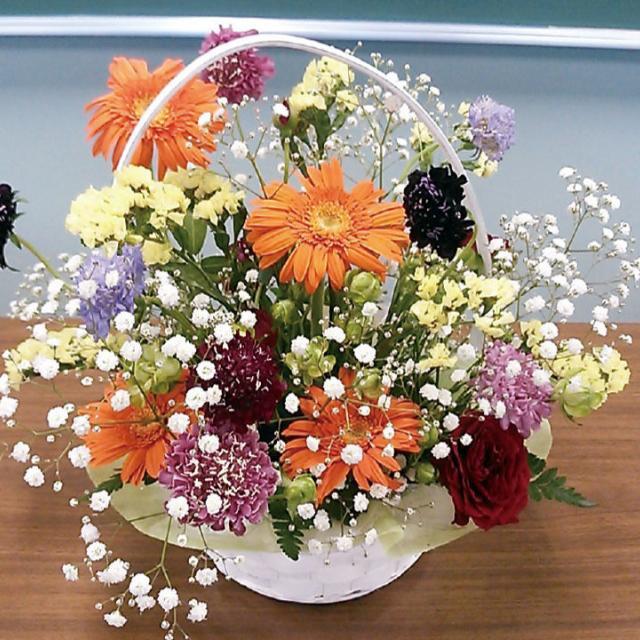 大阪ビジネスカレッジ専門学校 花祭り カラーバリエーション編 アレンジしてみよう!1