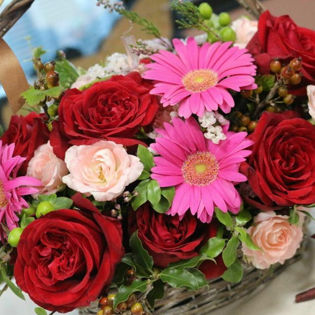 専門学校名古屋ウェディング&フラワー・ビューティ学院 バレンタインのラブリーフラワーアレンジ2