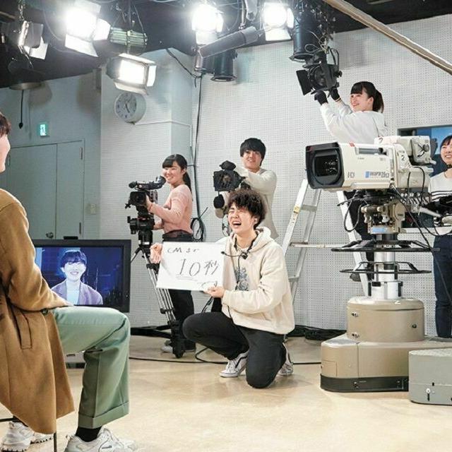 読売理工医療福祉専門学校 【放送映像学科】本格設備のスタジオで番組制作を体験!1