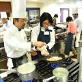 【フランス】若鶏の煮込みパプリカ風味 サフラン添え