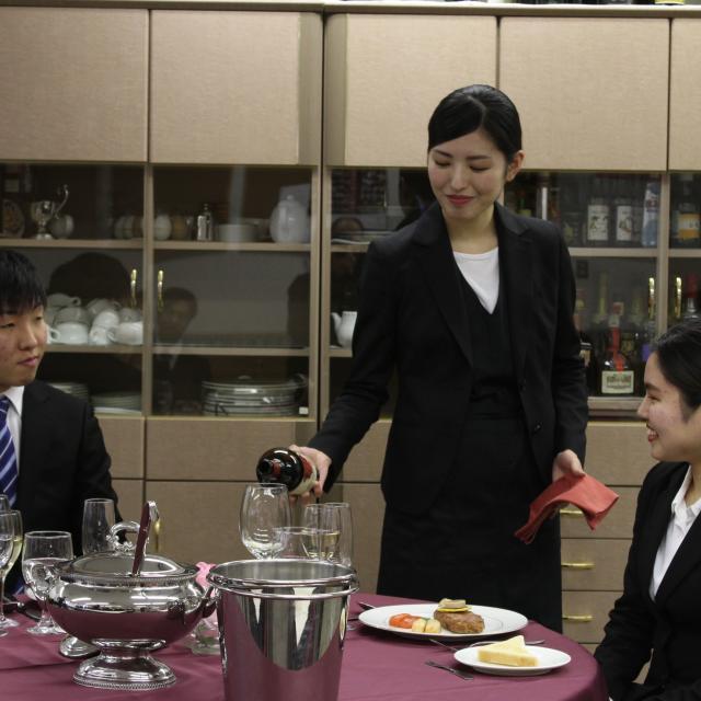 大阪外語専門学校 オープンキャンパス(ホテルの仕事)&ホテル説明会3