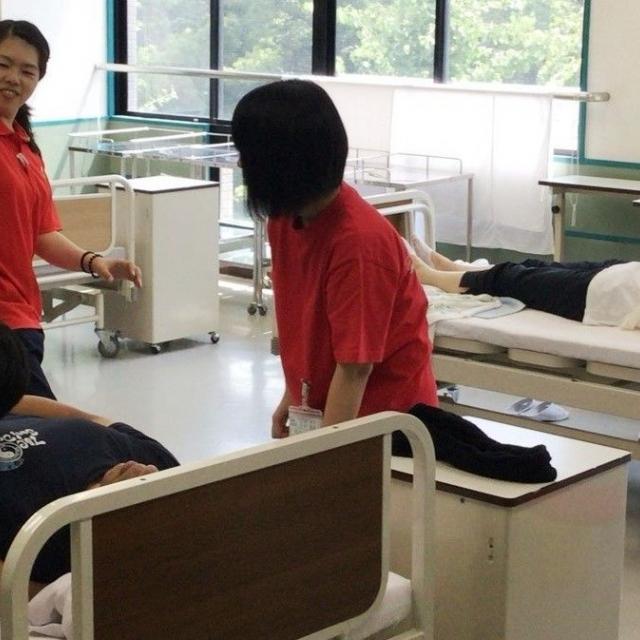 神戸医療福祉専門学校中央校 社会福祉士と介護福祉士で迷っている高校3年生にオススメのOC2