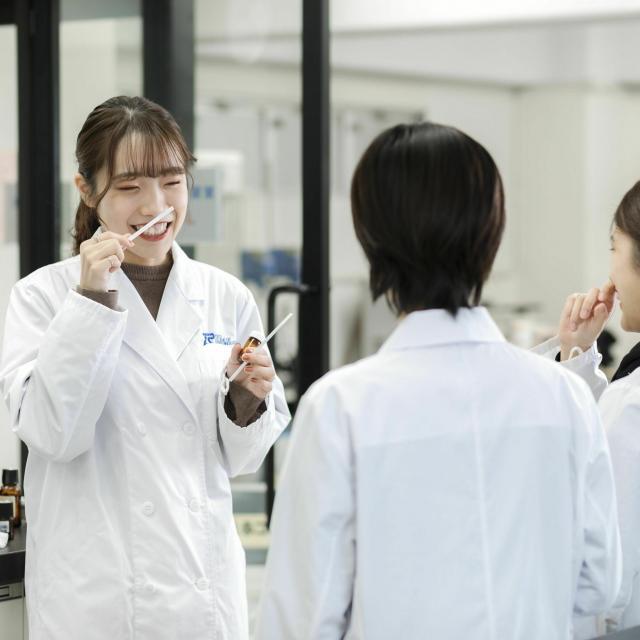 東京バイオテクノロジー専門学校 【化粧品開発コース】オープンキャンパス:バイオのコース体験3
